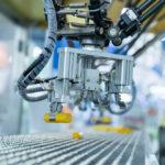 Een fabriekshal of magazijn inrichten? Overweeg een industriële computer